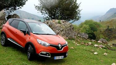 Le Captur, nouveau SUV de Renault, à l'essai sur les routes du pays basque dans les alentours d'Espelette.