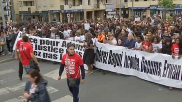Environ un millier de personnes étaient réunies dans les rues de Beaumont-sur-Oise.