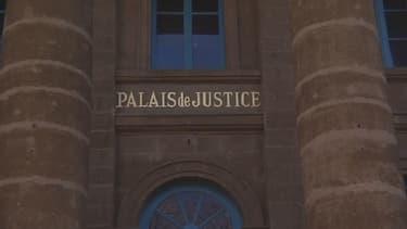 Le procès a lieu devant les assises pour mineurs de Haute-Loire.