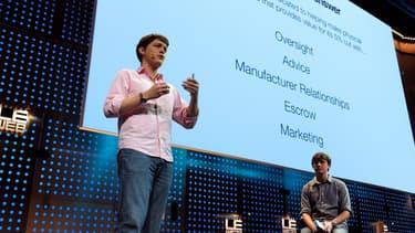 """Cameron Robertson et Paul Gerhardt, cofondateurs de la start-up Apigy Inc (qui commercialise Lockitron), en train de """"pitcher"""" à la conférence Le Web 2012."""