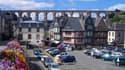 Vue de Morlaix, le viaduc et de vieilles maisons (image d'illustration)