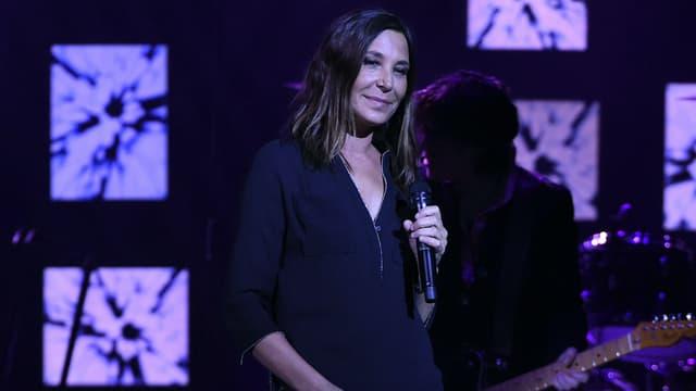 Zazie en concert sur la scène des Folies Bergère en 2016