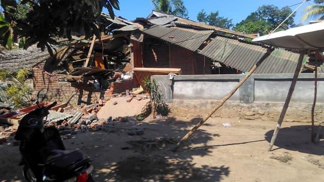 Des dégâts liés aux nouveaux séismes du 19 août, sur l'île de Lombok, en Indonésie.
