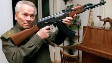 Mikhaïl Kalachnikov, le Russe qui a inventé et donné son nom au fusil d'assaut AK-47