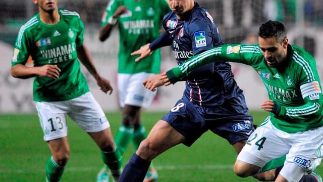 Zlatan Ibrahimovic au duel avec Loïc Perrin