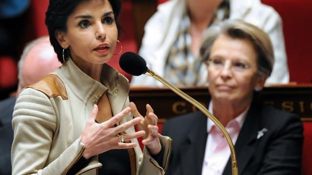 Rachida Dati et Michèle Alliot-Marie le 5 mai 2009 à l'Assemblée.