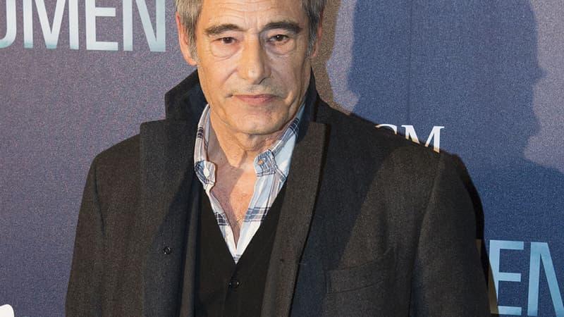 Gérard Lanvin se lance dans la chanson avec un premier album rock, avec son fils