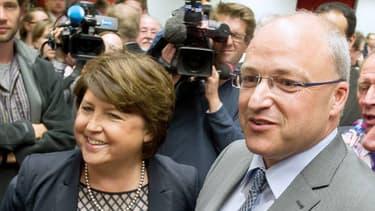 Le nouveau président de Lille Métropole Communauté Urbaine, Damien Castelain, en compagnie de Martine Aubry à Lille, le 18 avril 2014.