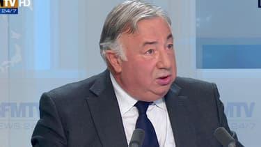 Gérard Larcher demande une consultation du Parlement.