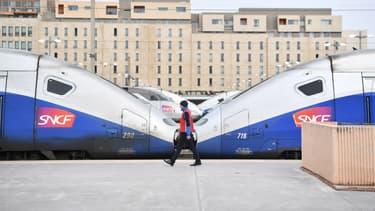 Les syndicats de la SNCF menacent de faire grève pendant trois mois.