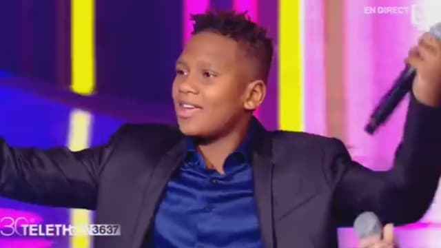 L'un des chanteurs des Kids United