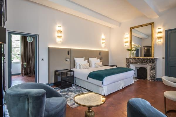 Chacune des chambres possède une décoration personnalisée.