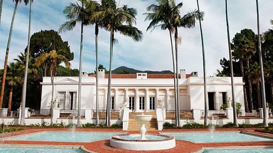 La villa du célèbre film Scarface est mise en vente pour 35 millions de dollars.