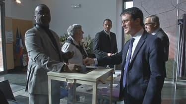 Manuel Valls a voté ce dimanche matin à Evry.