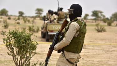Un soldat de l'armée nigérienne près d'un camp de déplacés dans la région de Diffa (image d'illustration)