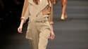 La styliste Barbara Bui s'est inspirée du désert pour les couleurs et les matières de la garde-robe qu'elle a conçue pour l'été prochain. La femme Barbara Bui, aventurière dynamique, opte pour un vestiaire souple et chic dans des couleurs chaudes, avec no