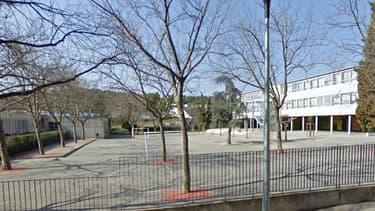 Le groupe scolaire Henri-Wallon à Nîmes, où un jeune homme a tenté lundi matin de prendre en otage une classe de CM2.