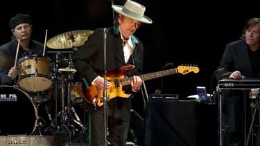 Bob Dylan lors d'un concert à Shanghai en 2011