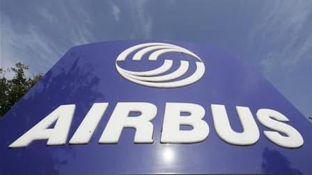 Près de 10.000 salariés d'Airbus, selon les organisateurs, ont manifesté en fin de matinée sur les trois sites de production français de l'avionneur européen pour réclamer des hausses de salaire. /Photo d'archives/REUTERS/Morris Mac Matzen