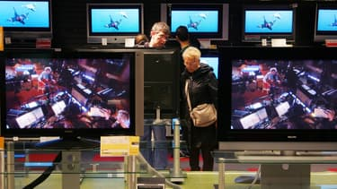 Près de 3 millions de foyers pourraient devoir s'équiper de nouveau en téléviseur pour continuer de recevoir la TNT.
