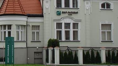 BNP Paribas, et sa filiale polonaise BNP Paribas Polska, se renforce en acquiérant 98,5% de BG? Bank.