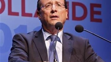 La sécurité de François Hollande a été renforcée après son saupoudrage de farine par une femme mercredi à Paris, lors d'une réunion publique. Une quinzaine de fonctionnaires vont être désormais chargés de protéger le candidat socialiste à la présidentiell