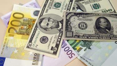 Selon le FMI, l'endettement mondial a atteint 184.000 milliards de dollars en 2017, soit 225% du PIB de la planète.