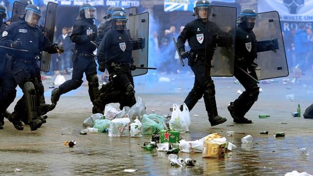 Lille : des tensions entre supporters d'Everton et policiers