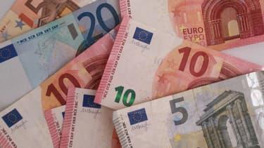 Pour les étrennes, il est d'usage de donner entre cinq et dix euros aux pompiers