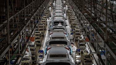 """""""Les niveaux d'endettement du secteur automobile mondial s'envolent, ce qui devrait inciter de nombreuses entreprises à vendre des actifs et se restructurer"""""""