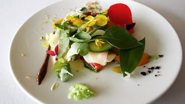 La gargouillou de jeunes légumes, un des plats mythiques du plus grand chef du monde Michel Bras, à Laguiole.