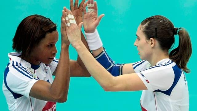 Allison Pineau et Camille Ayglon