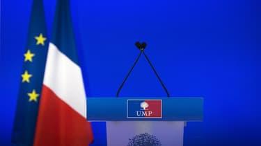 Un pupitre vide lors d'un meeting de l'UMP (illustration)