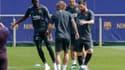 Ousmane Dembélé, Antoine Griezmann (de dos) et Leo Messi