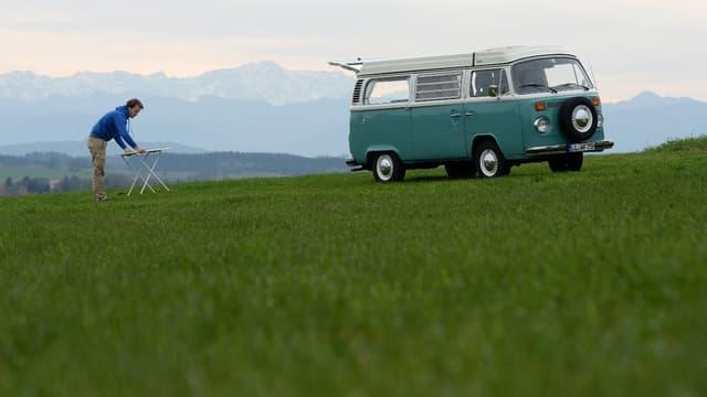 Les Français aiment voyager en camping-cars et vans aménagés.