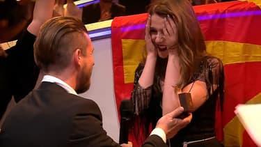 Jana Burčeska, demandé en mariage par son compagnon en plein direct de l'Eurovision.