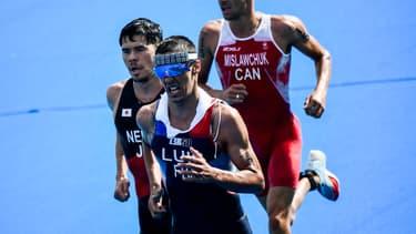 Vincent Luis lors du triathlon des Jeux Olympiques de Tokyo