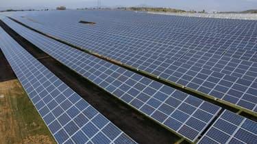 Le parc solaire des Mées dans le Gard et ses 12 MW a été développé par Solairedirect. ENGIE vient de prendre 95% de participation du capital de ce pionnier du solaire compétitif.