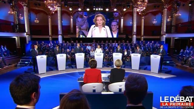 Les candidats face aux journalistes lors du deuxième débat de la primaire de la droite et du centre.