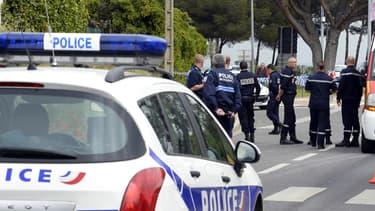 La police sur les lieux de la fusillade, jeudi 26 avril, à Istres.