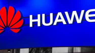 Les Etats-Unis font de leur côté pression sur l'Europe, dont le Royaume-Uni, pour exclure Huawei, invoquant les liens de l'entreprise avec le gouvernement chinois et le fait que ces équipements pourraient être utilisés à des fins d'espionnage