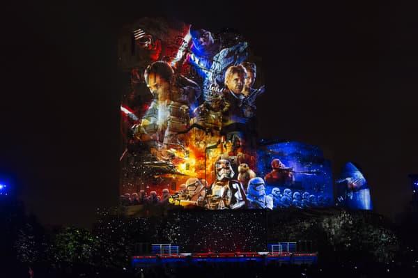 """Le spectacle nocturne """"Star Wars : La Célébration Galactique"""""""