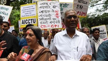 Des manifestants au Cachemire indien