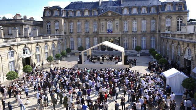 Un concert dans la cour de l'Élysée