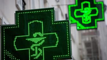 Depuis février et une décision du Conseil d'Etat, les pharmacies sont autorisées à vendre des médicaments sans ordonnance sur Internet.