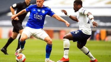 Duel Barnes-Aurier lors de Tottenham-Leicester