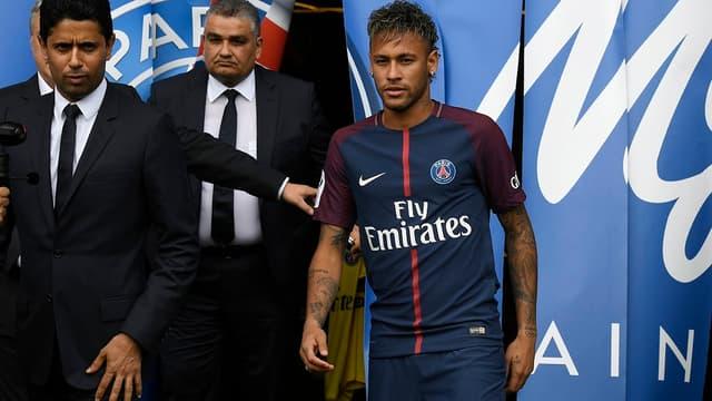 Neymar pourra peut-être bien faire ses débuts avec le PSG contre Guingamp.