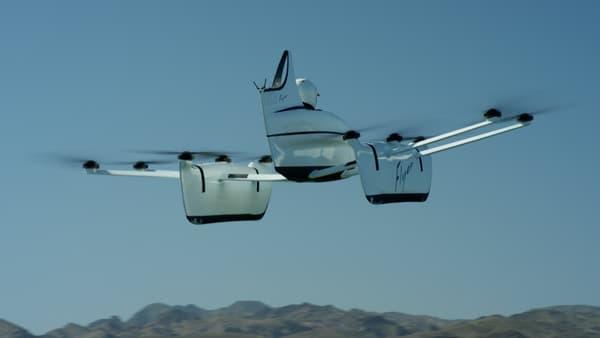 Le Flyer est stabilisée automatiquement pour des vols de loisirs en toute détente.