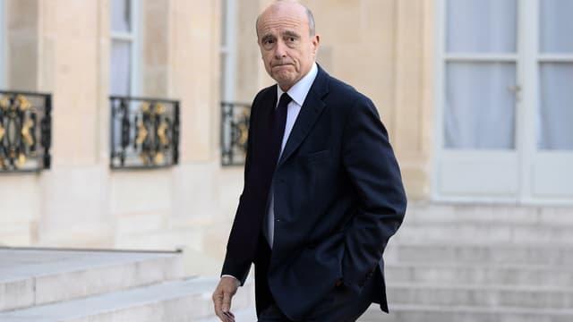 Alain Juppé sur le perron de l'Elysée, le 19 février 2015.