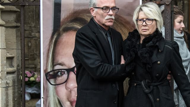 Les parents d'Alexia Daval lors des funérailles de leur fille, le 8 novembre 2017 à Gray.